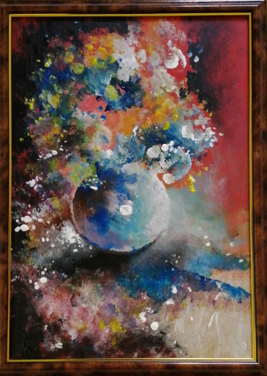 Kompozicija mėlynoje vazoje
